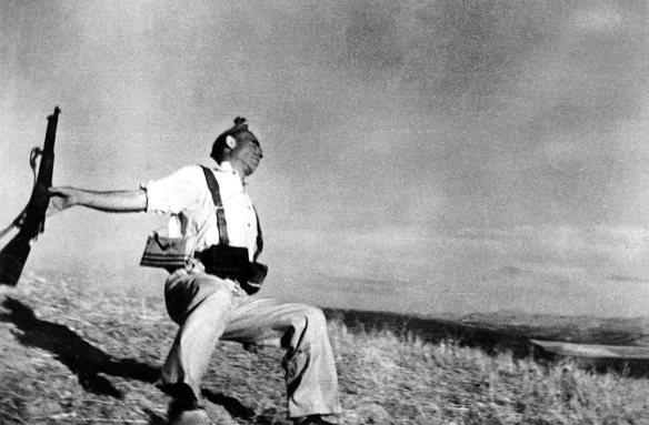 (c) Robert Capa - Magnum